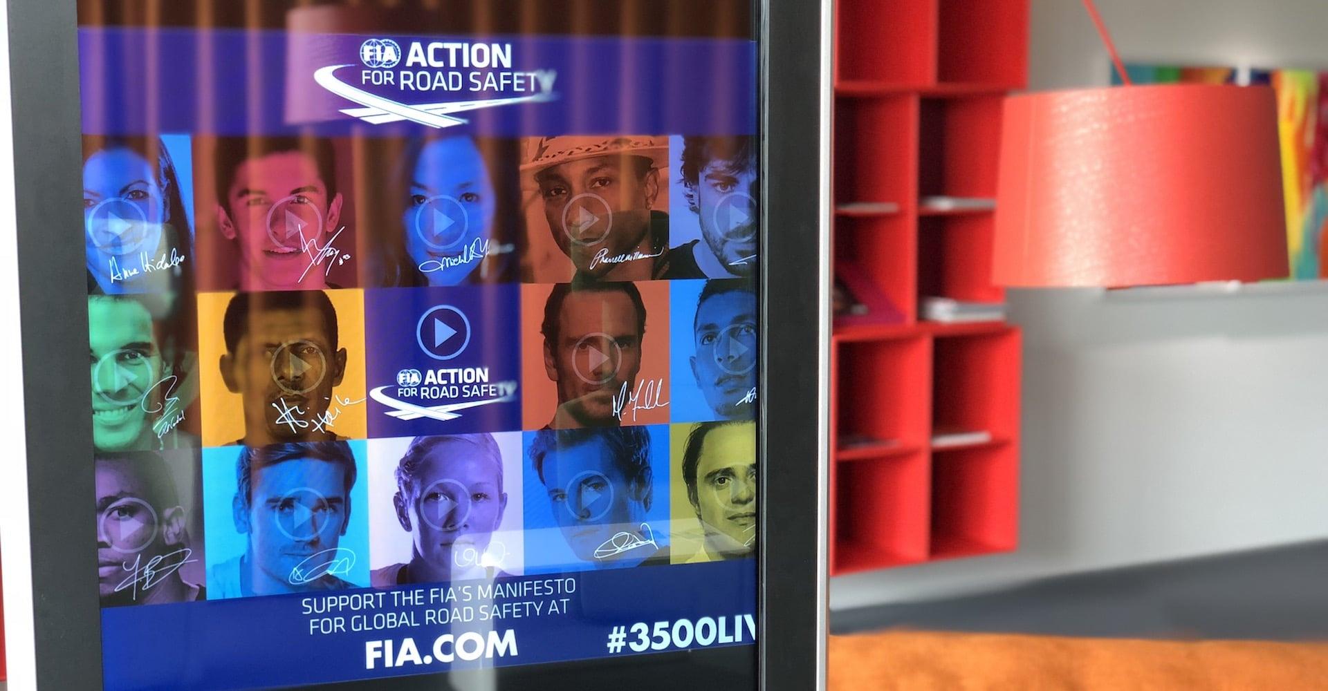 Suisse Borne en route pour le salon de l'auto avec la FIA