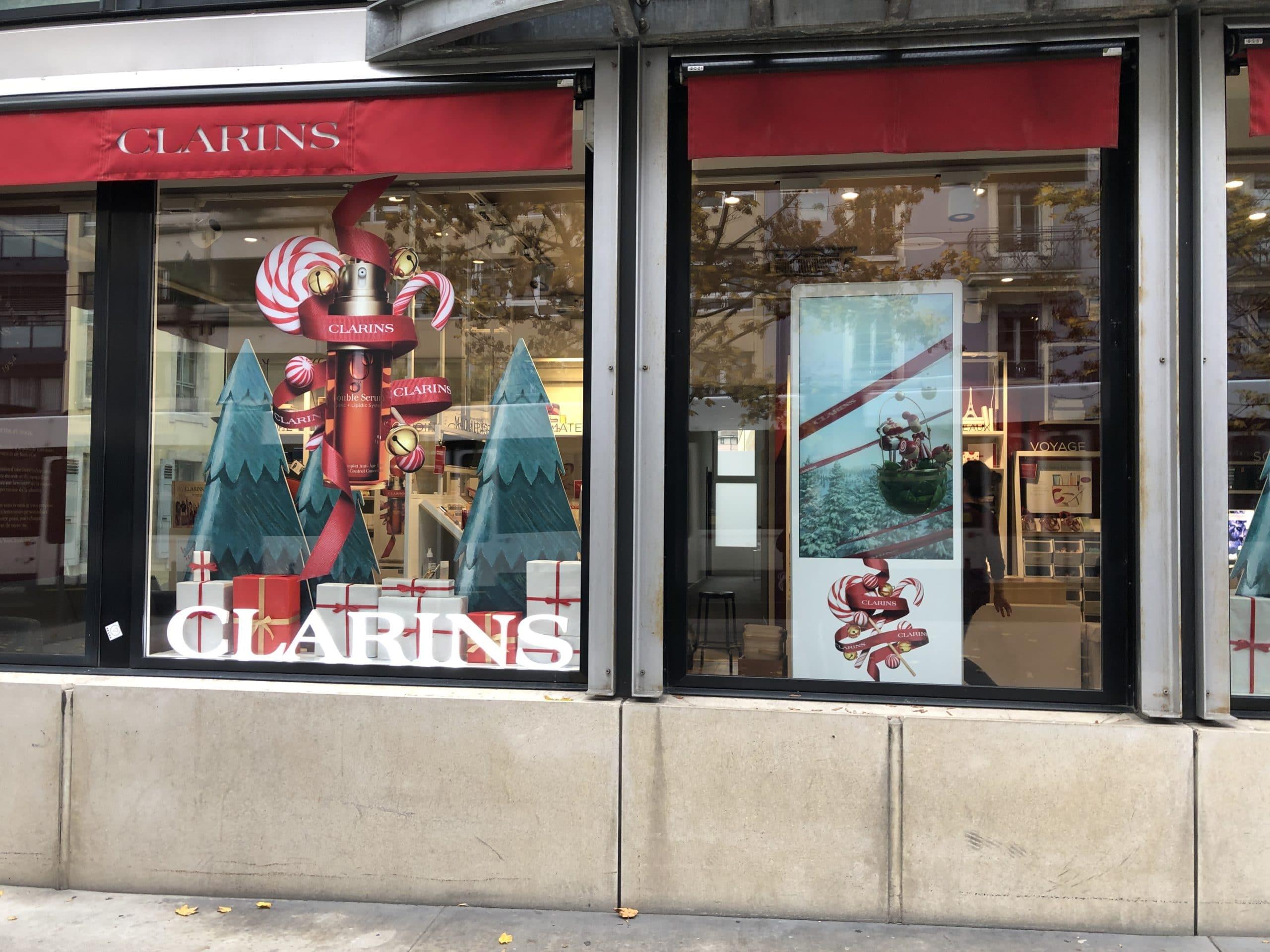 Un totem vidéo pour Clarins